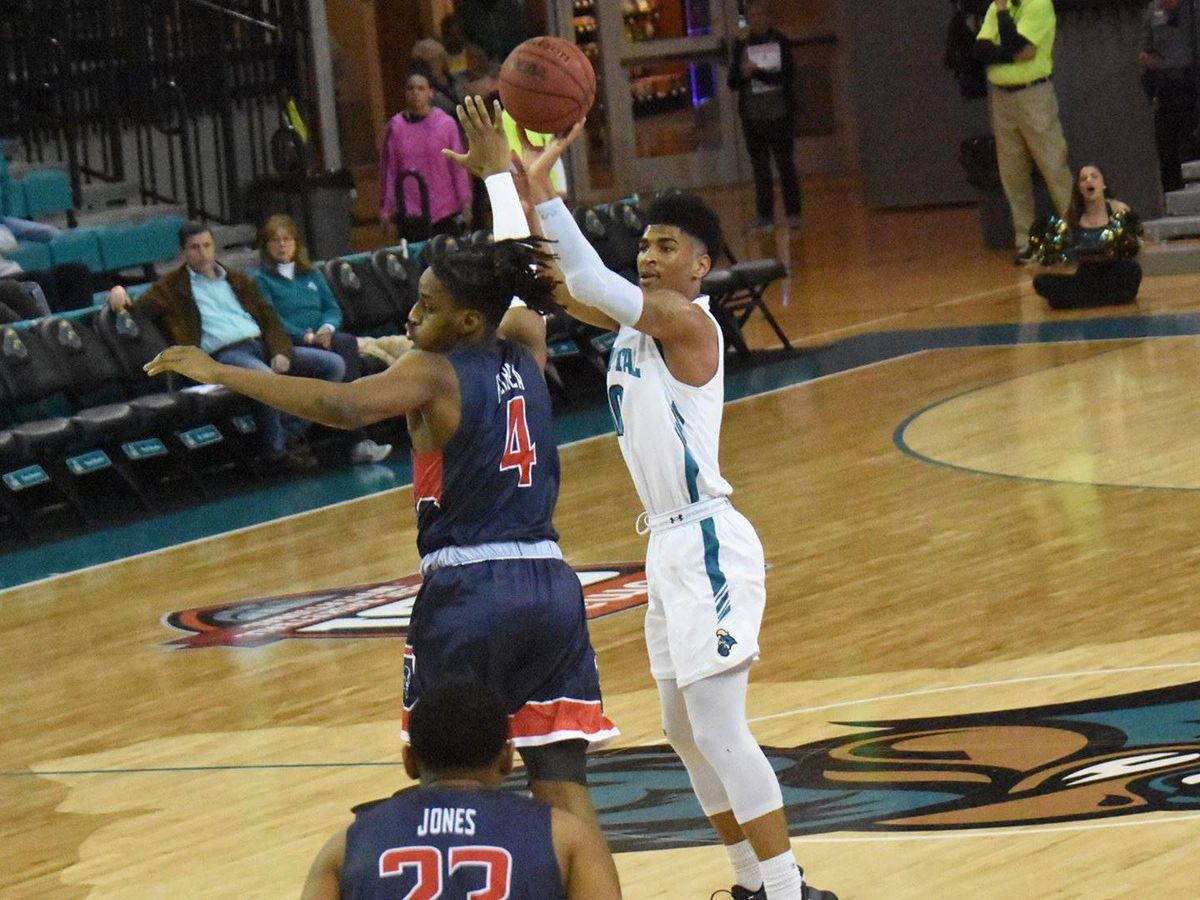 Big Second Half Run Pushes Coastal Carolina Past Howard