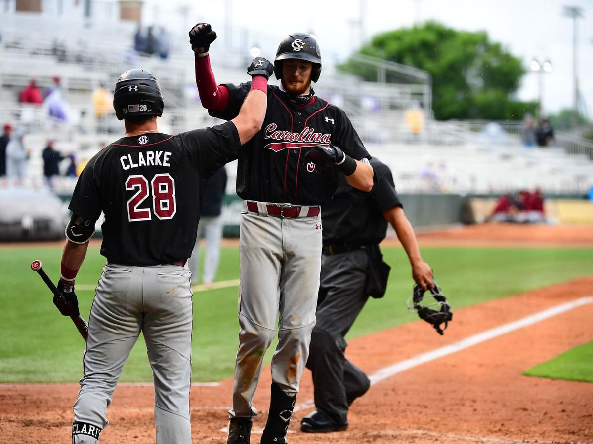 Gamecocks Sweep Doubleheader at LSU