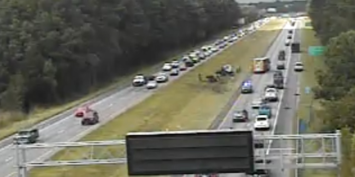 Crews clear I-526 EB accident in West Ashley