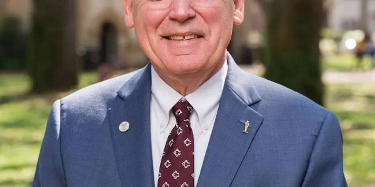 Retiring CofC president McConnell tweets thanks as he prepares to step down
