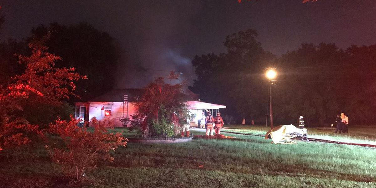 Crews investigating cause of N. Charleston house fire