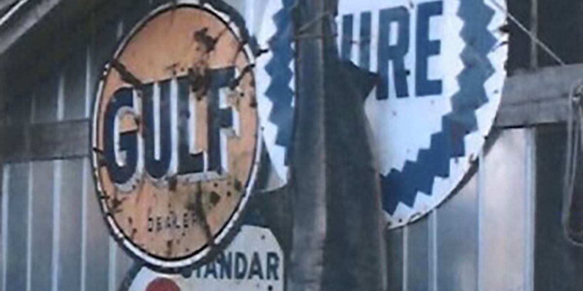 Thieves steal vintage signs from Georgetown County restaurant