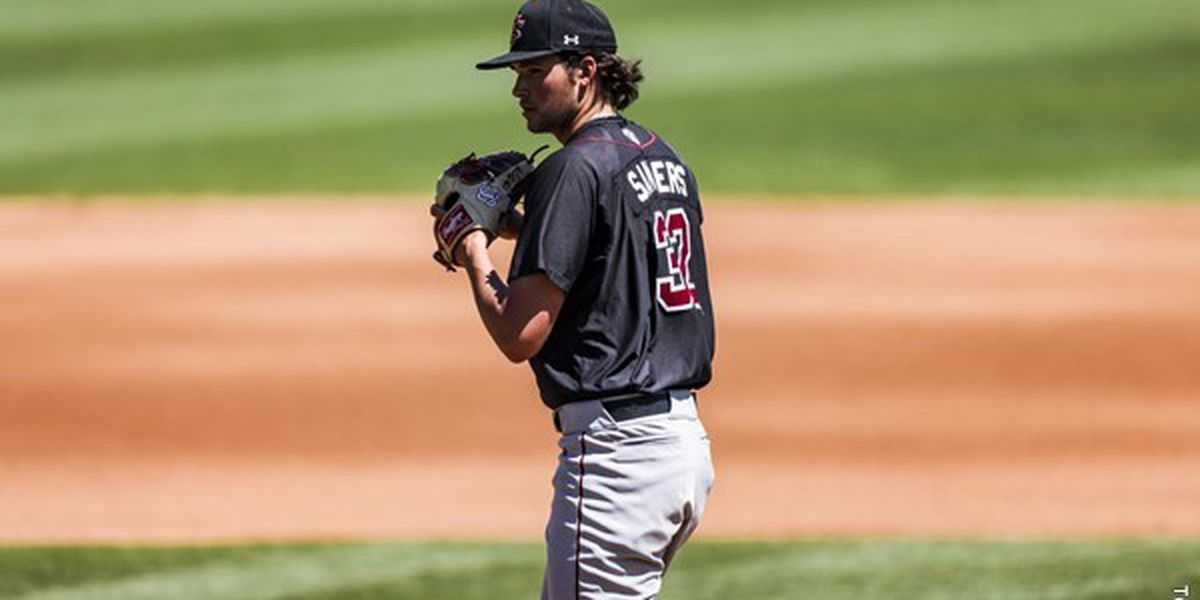 Sanders' Gem Lifts Gamecocks Past Georgia to Clinch Series Win