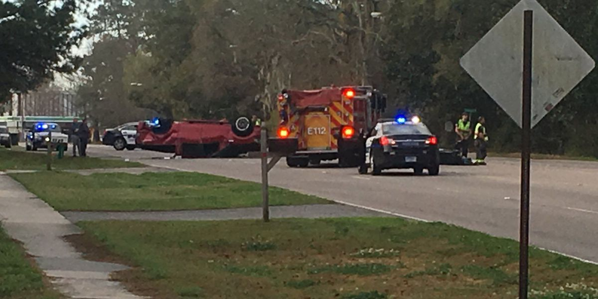 One hospitalized in accident involving overturned vehicle in West Ashley
