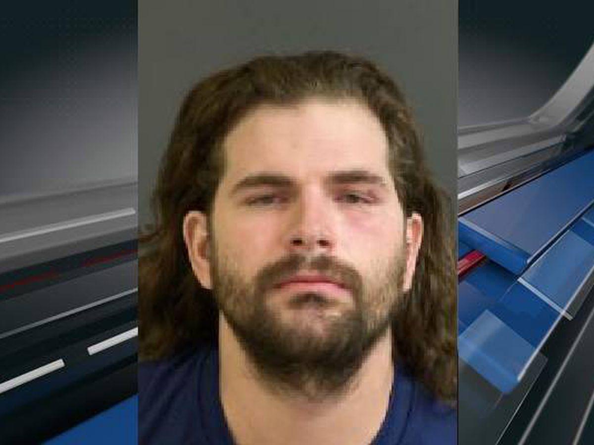 Police: Man shot after girlfriend gets in argument