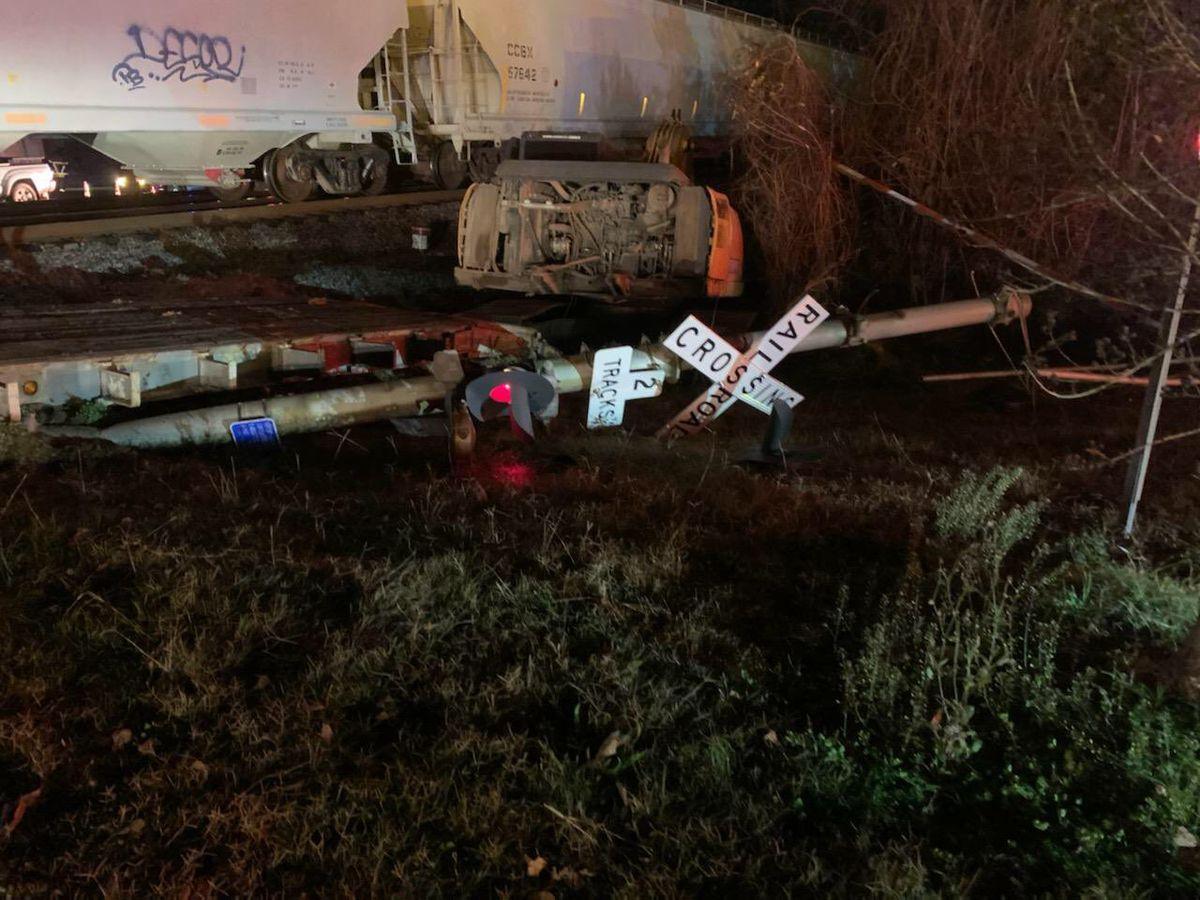 Emergency crews working crash involving train, tractor trailer in Berkeley Co.