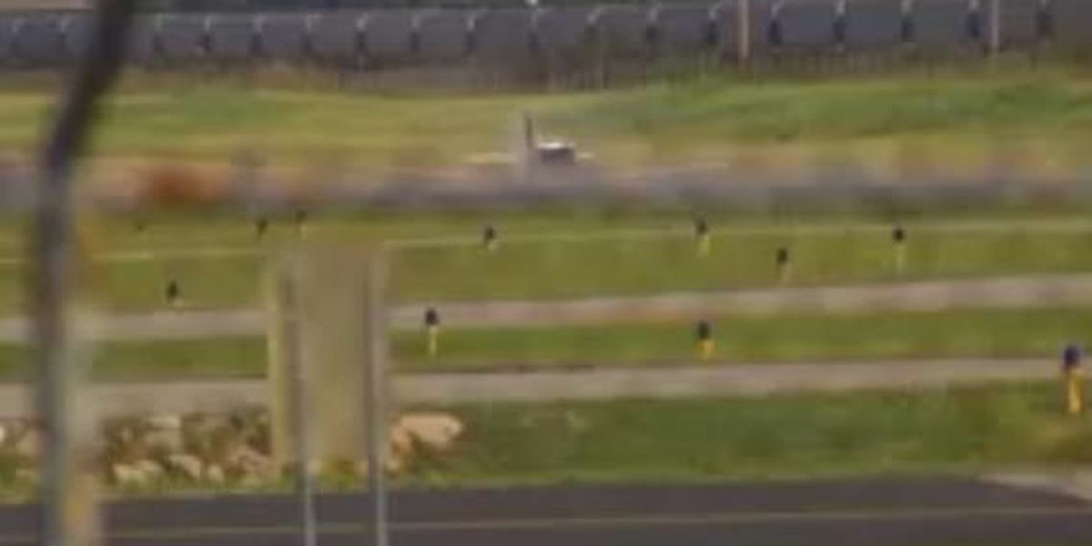 Plane lands successfully without landing gear in Columbia