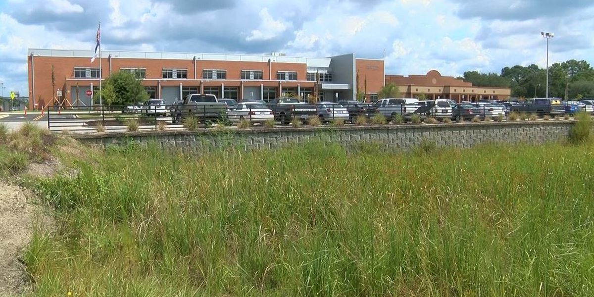 Smoke at Goose Creek High School blamed on electrical issue