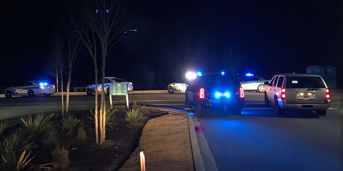 Police searching for 2 suspects after chase ends in Summerville area