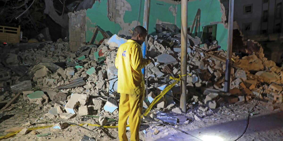 Death toll in bombing in Somalia's capital rises to 20