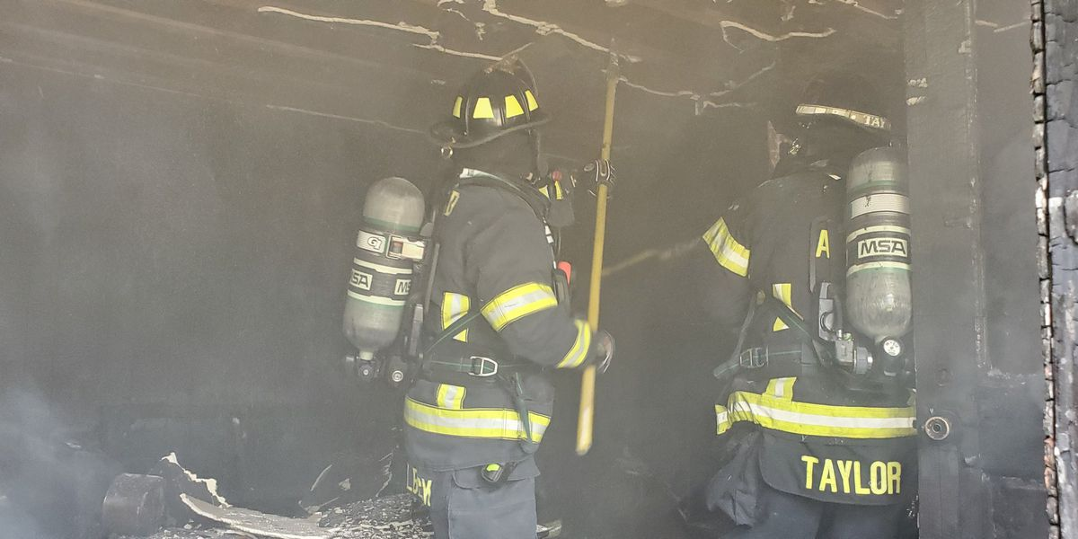 Crews battle Awendaw house fire