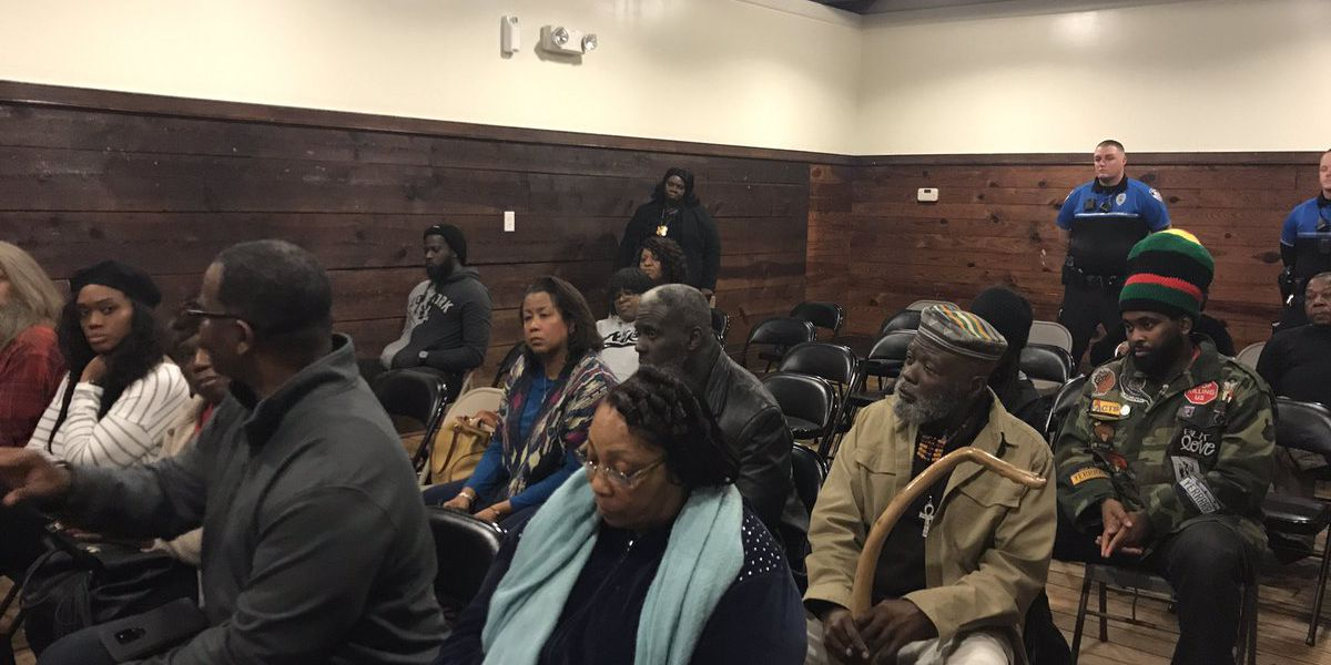 Summerville residents hold town hall with police about crimes in minority neighborhoods