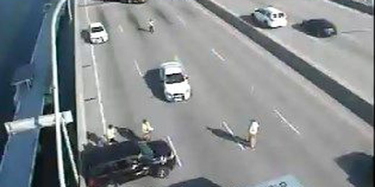 All southbound lanes on Ravenel bridge open following accident