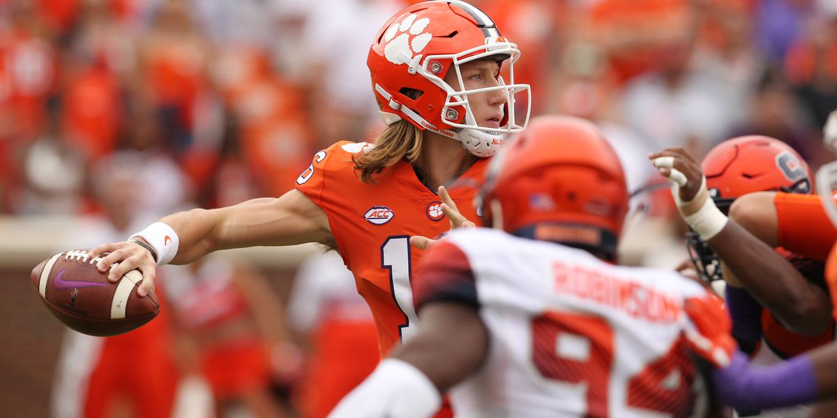 Trevor Lawrence Named ACC Co-Rookie of the Week