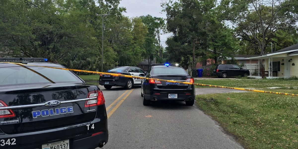 Police: One wounded in West Ashley shooting