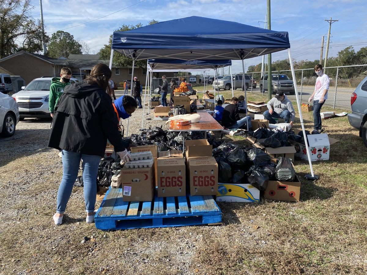Groups host food giveaway in N. Charleston