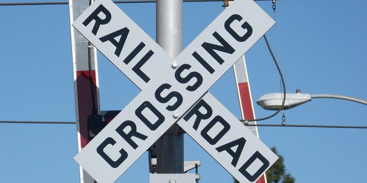 Malfunctioning railroad crossing arms cause delays on Ashley Phosphate