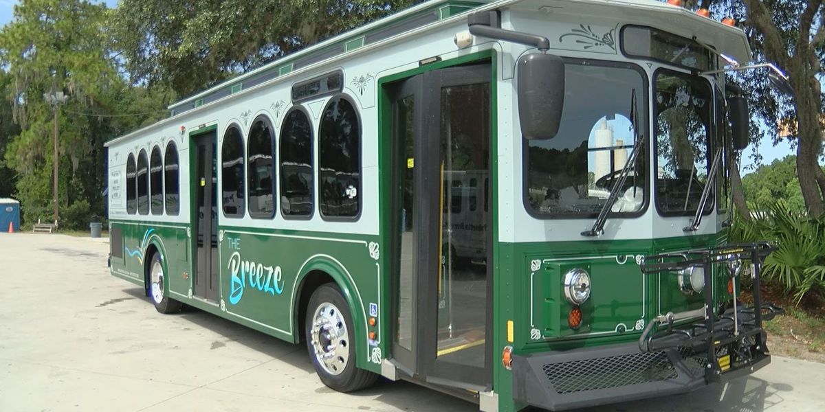 Palmetto Breeze Trolley resumes service