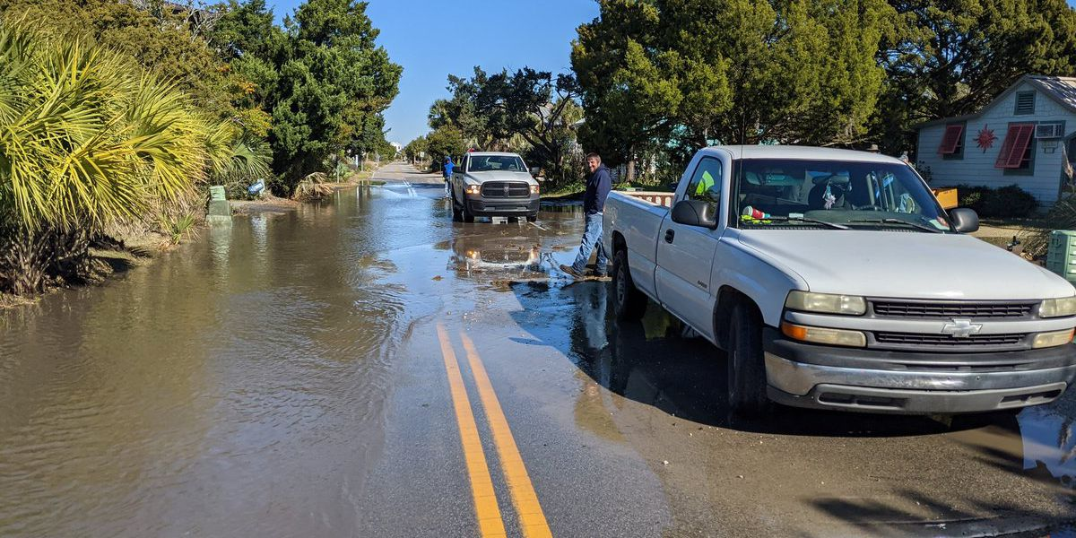 Police: Water main break closes lane on north end of Pawleys Island