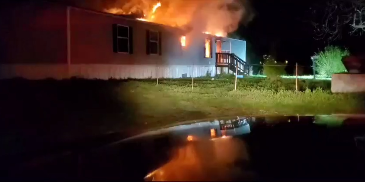 Crews take out structure fire in Cross