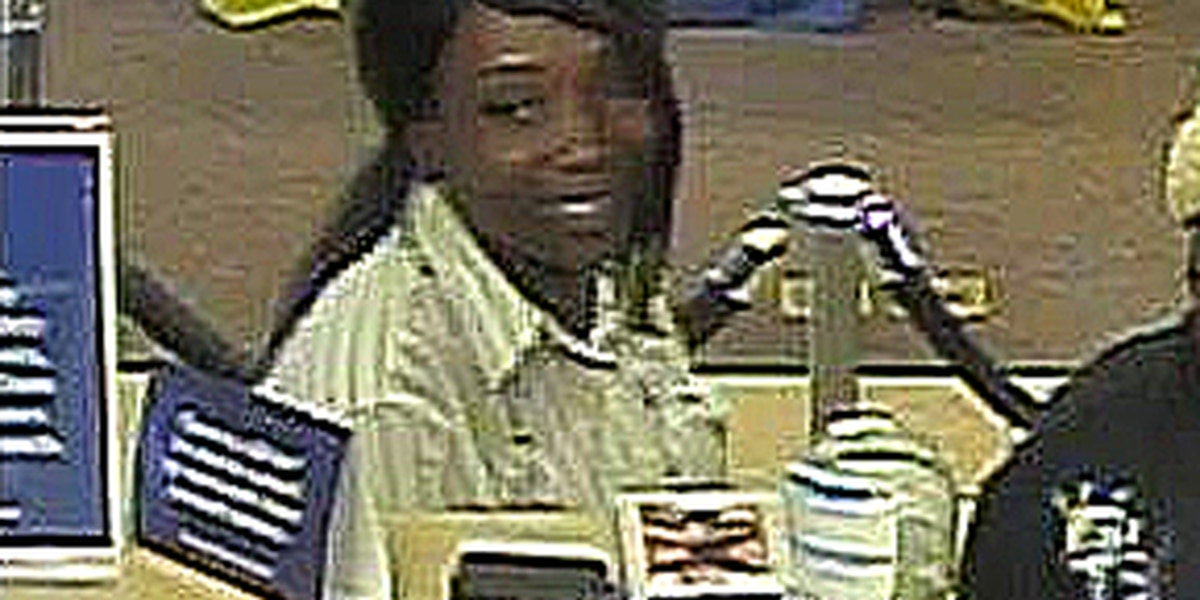 Charleston deputies searching for woman in alleged elderly scam