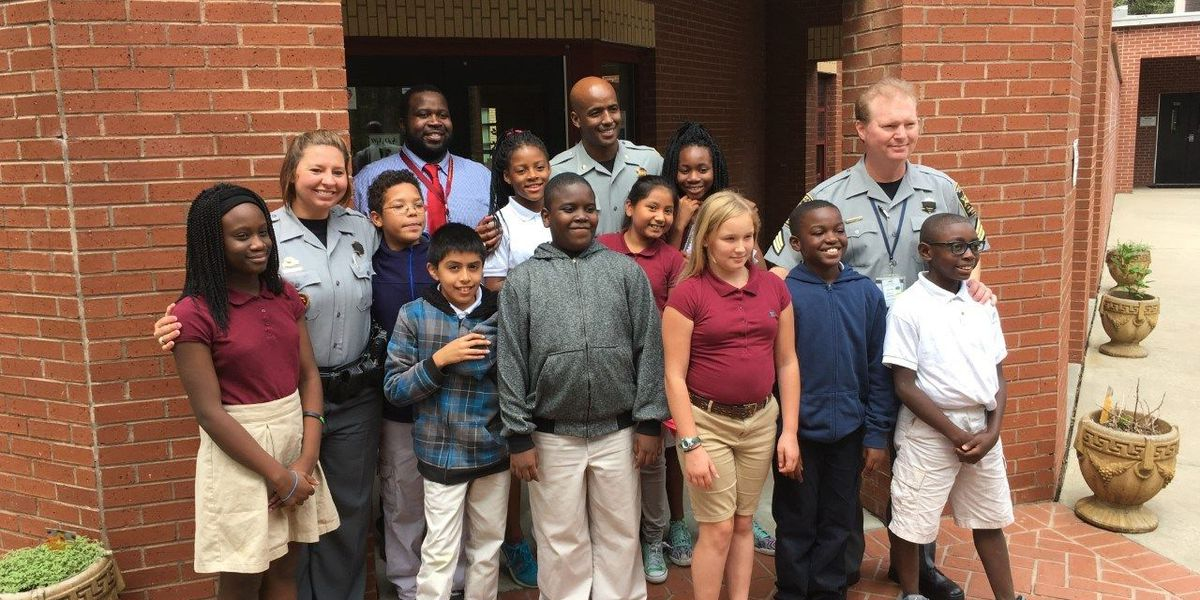 Minnie Hughes students eat lunch with CCSO