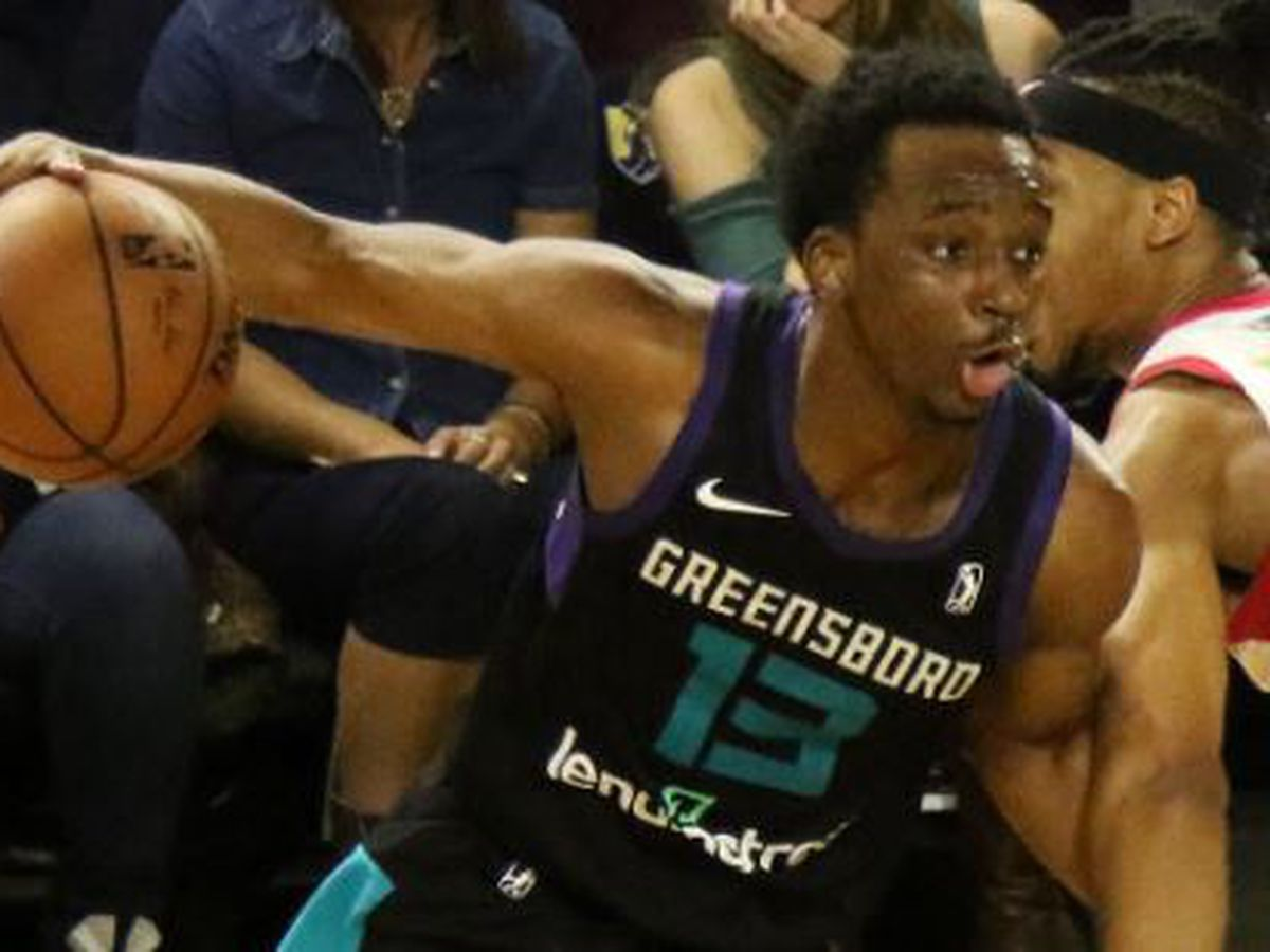 Hornets signs CofC alum Joe Chealey to 10-day contract