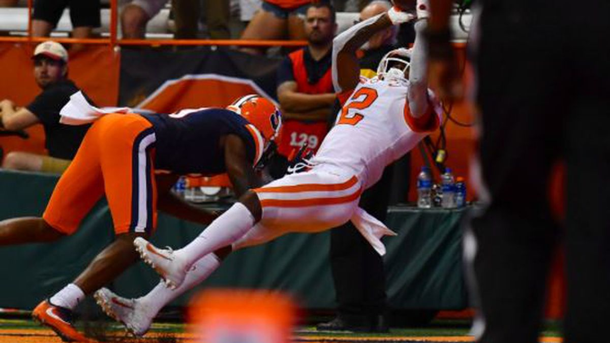 Clemson Extendeds School Record 18 Game Win Streak in 41-6 Win Over Syracuse