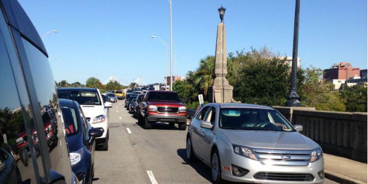 Westbound Ashley River Bridge gets stuck during maintenance
