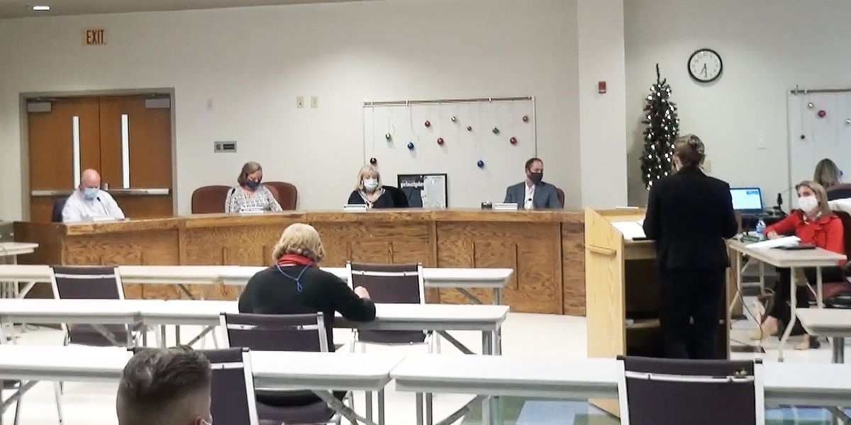 DD2 school board listens to data before considering changes to hybrid model