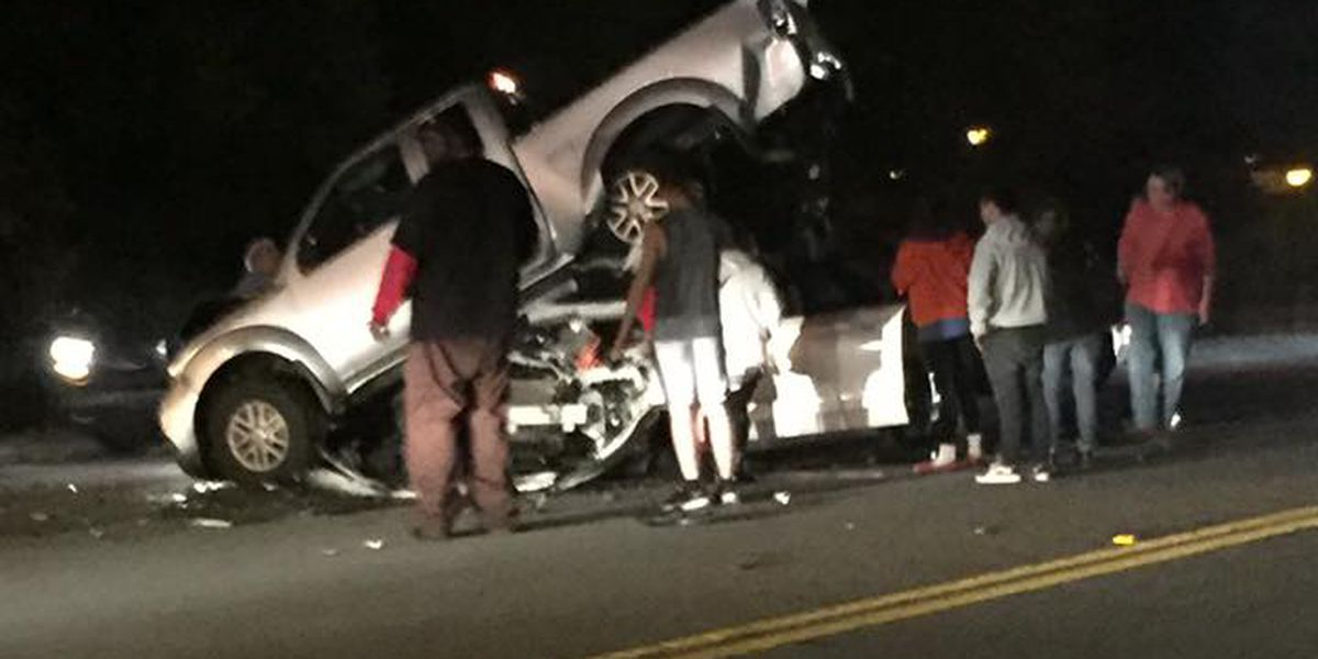 Injuries reported at wreck on St. James Avenue