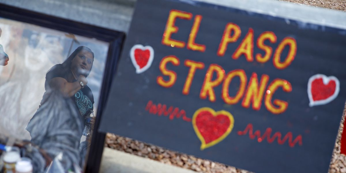 Thousands attend El Paso memorial for shooting victims