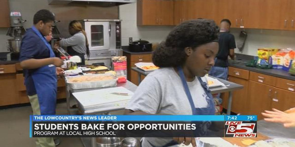 Students bake up opportunities at CCSD school