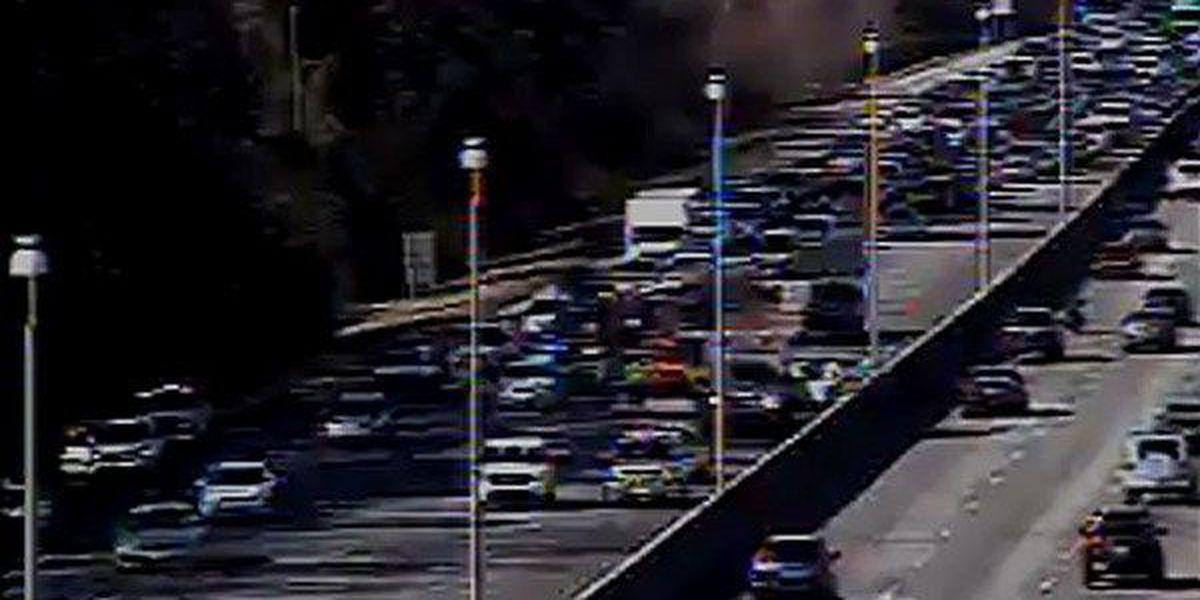 All lanes reopen on I-25E following accident