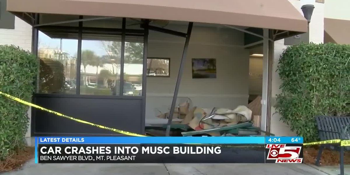 VIDEO: Three hospitalized after car crashes into MUSC building in Mt. Pleasant