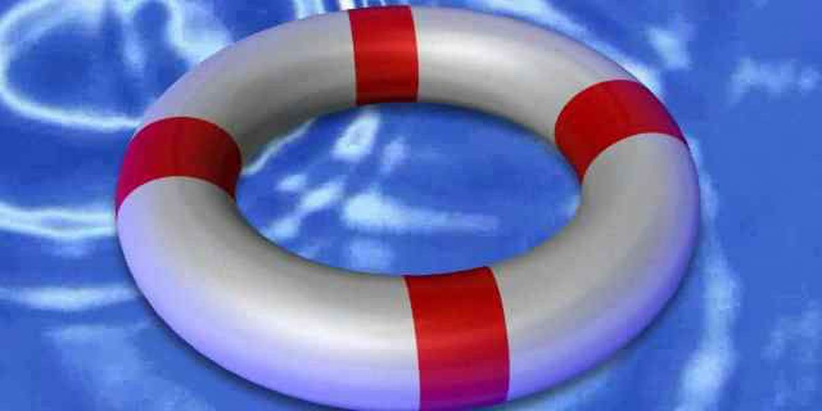 Two people rescued from vessel in Stono River