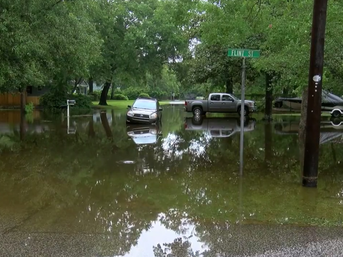 Charleston City Council rethinking plan to fix flooding on James and Johns islands