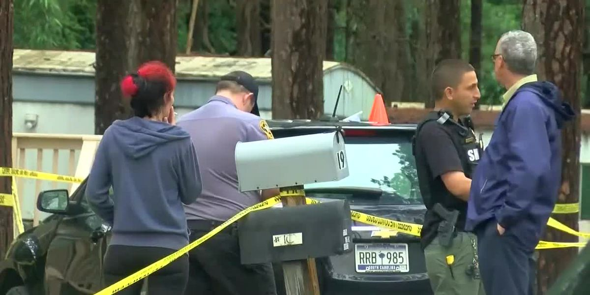 Authorities investigate 'deadly situation' at mobile home park in Dillon County